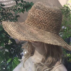 Accessories - Straw Hat with Large Rim